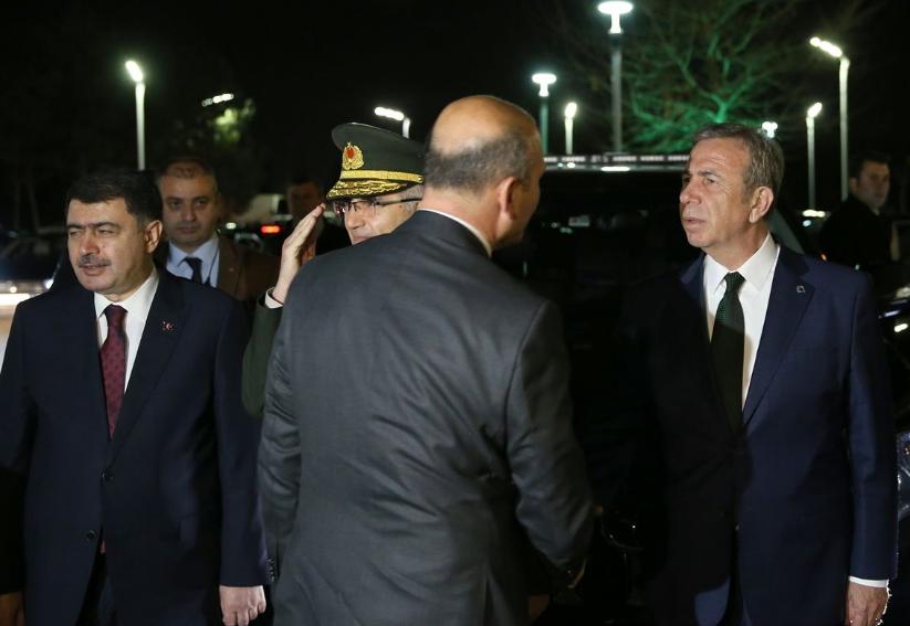 Ankara Büyükşehir Belediye Başkanı Mansur Yavaş Cumhurbaşkanı Erdoğan'ı karşıladı