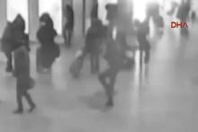 Brüksel Havalimanı'nda patlama anı kamerada!