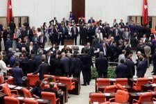TBMM'de saldırı ihbarı Meclis boşaltılıyor