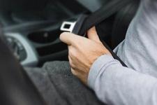 Motosiklet sürücüsüne 'emniyet kemeri' cezası kesildi!