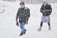 Kar yağışı hayatı felç etti Tekirdağ'da okullar tatil edildi