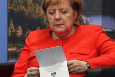Merkel G-20 zirvesine CV götürmüş
