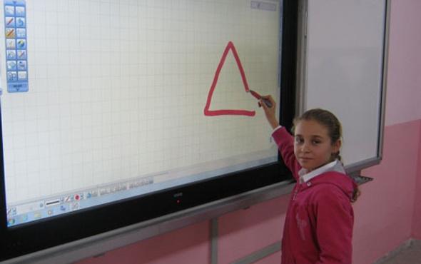 58 bin sınıfa daha akıllı tahta geliyor