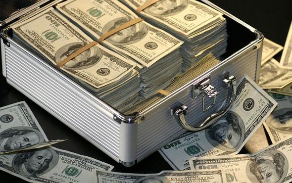 Vatandaş 6 aydır aralıksız aydır dolar almaya devam ediyor