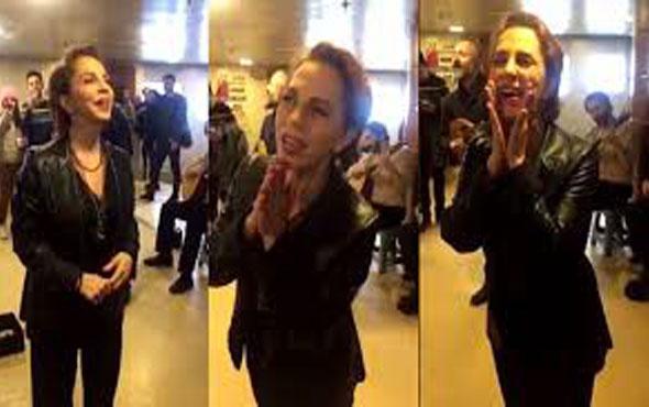 Sertab Erener vapurda şarkı söyledi