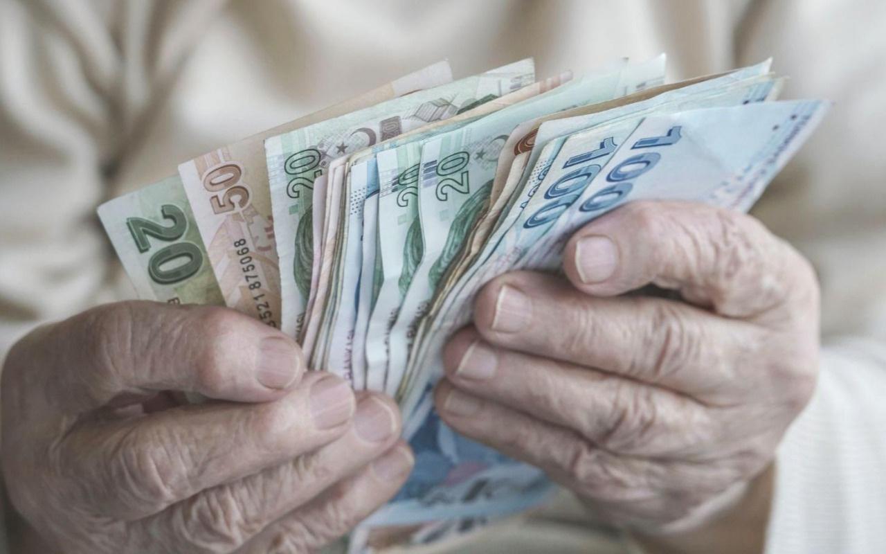 Emekliye ve memura maaş farkı geliyor