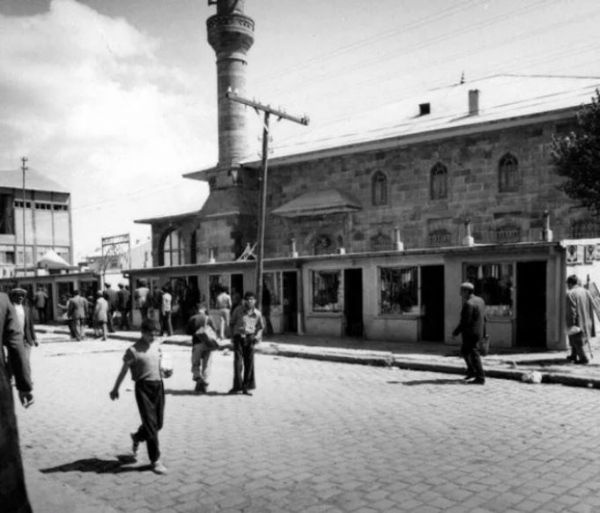 Türkiye'nin 100 yıl önceki hali kim tahmin edebilirdi bu hale geleceğini! İşte il il eski Türkiye'den kareler