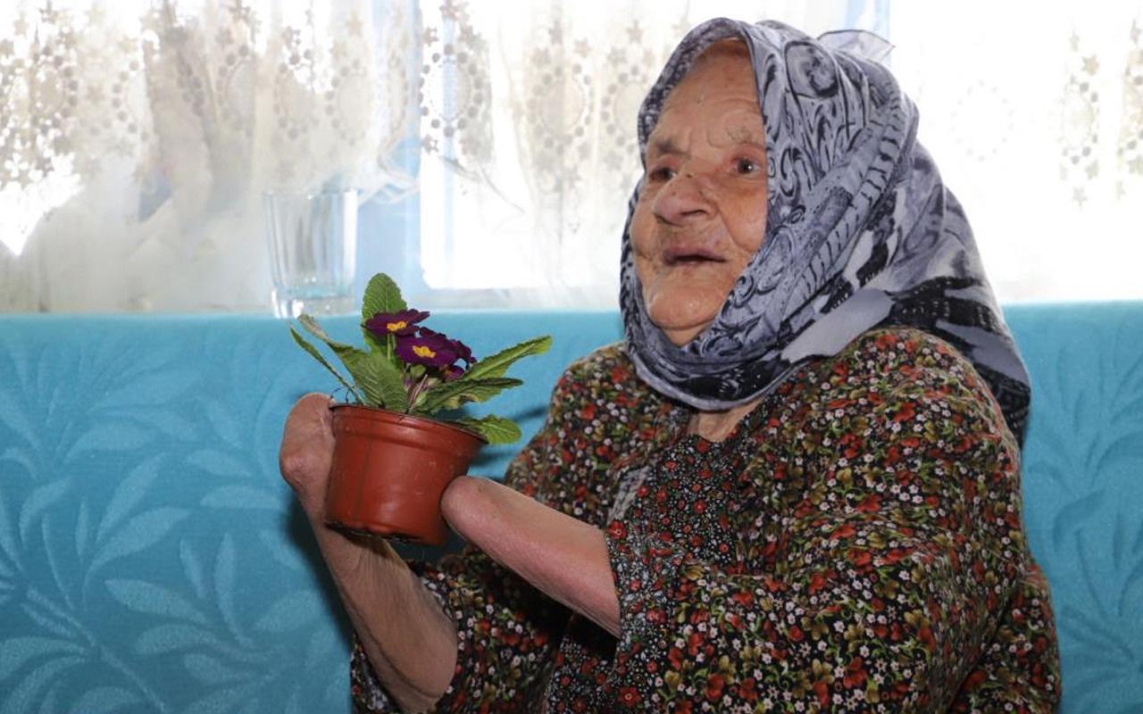 Dehşeti yaşamış! Kocası 72 yıl önce ellerini kesti elleri olmadan yaşıyor