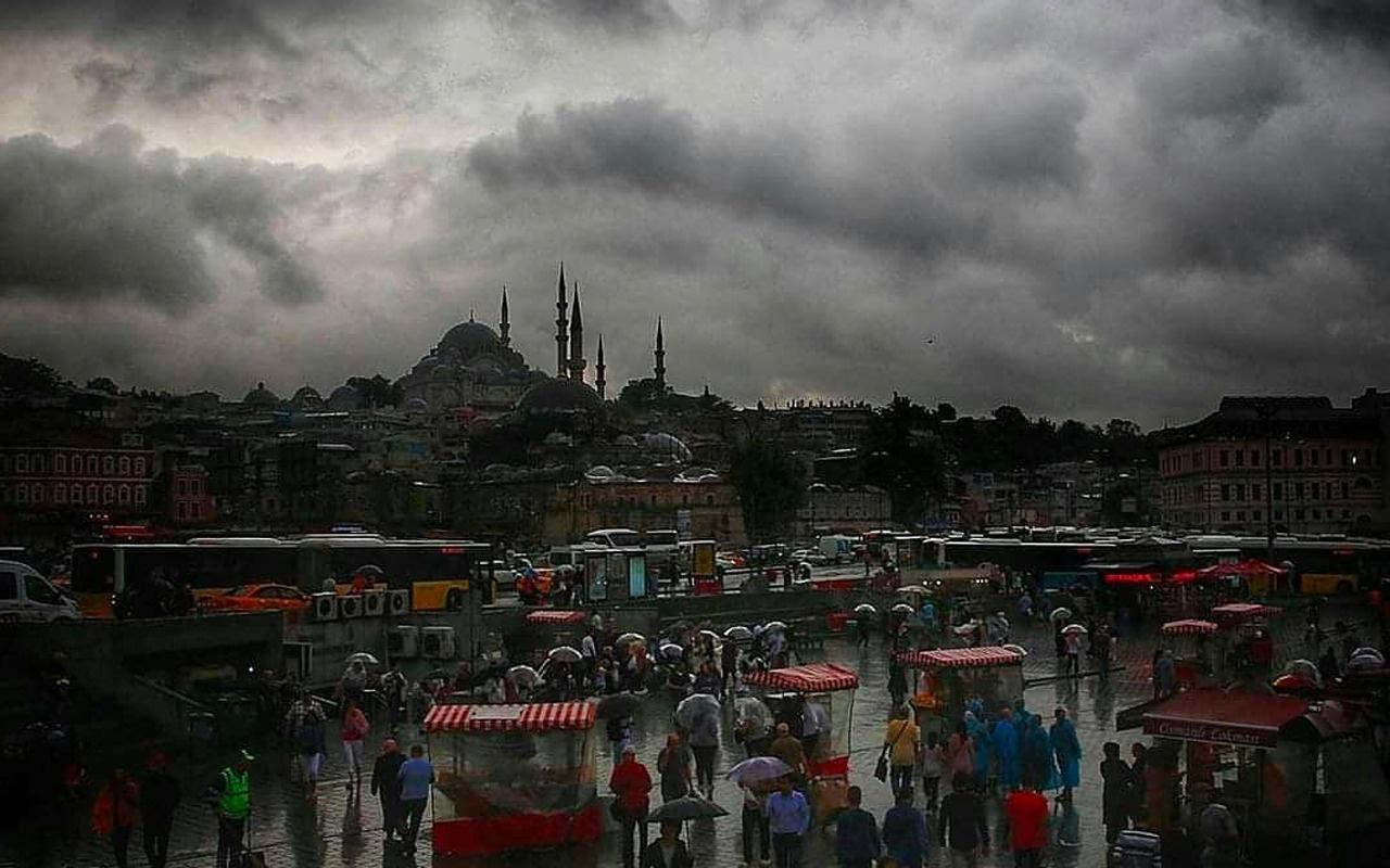 İstanbul'da gök delinecek! Çok şiddetli ve dolu uyarısı