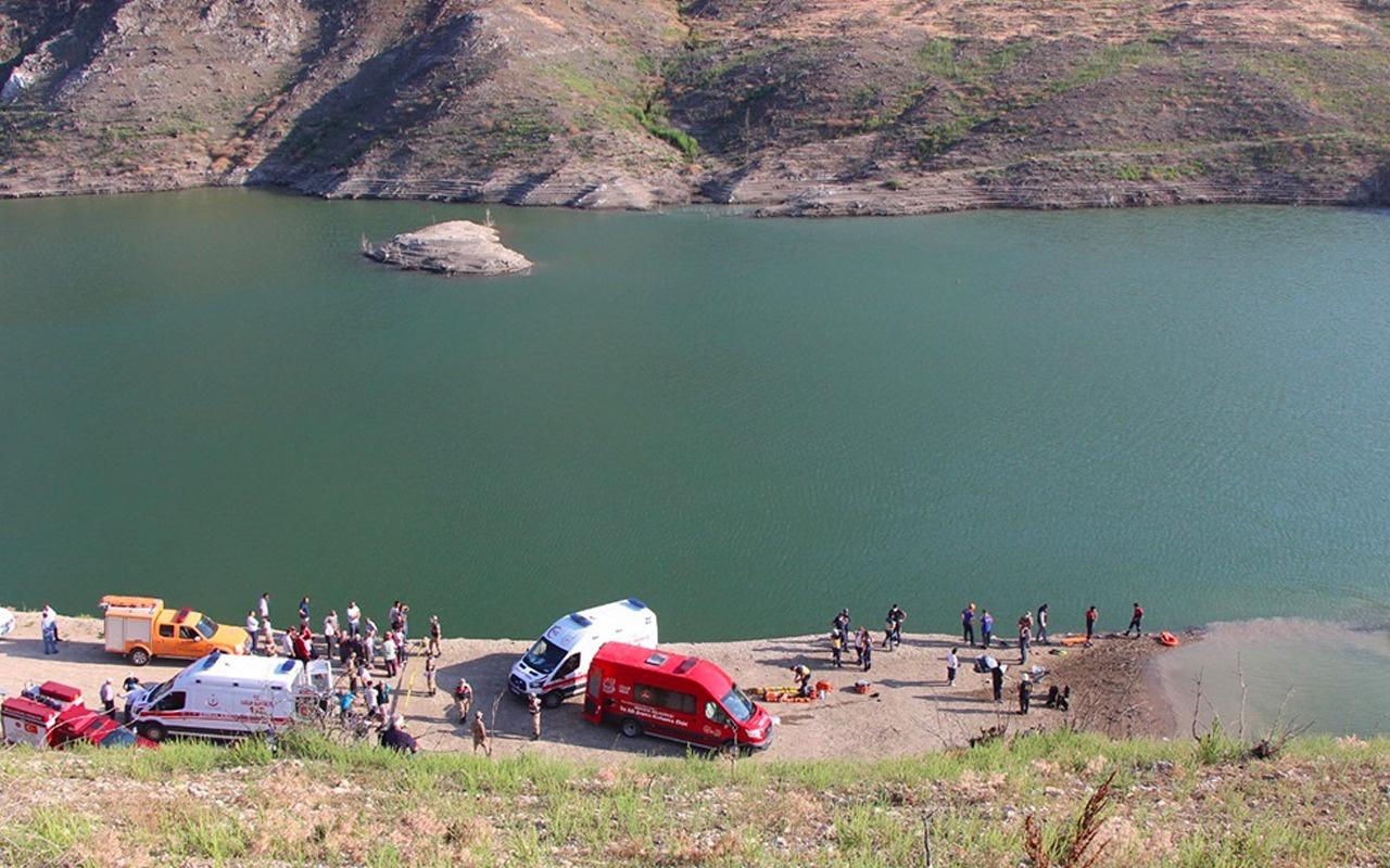 Baraj gölünde aile faciası yaşandı! Çocuklarını kurtarmak için suya atladılar