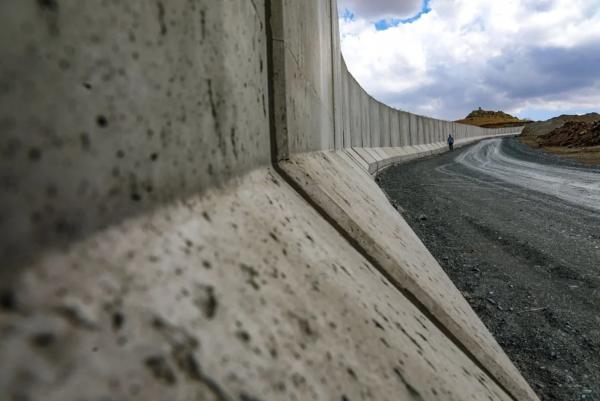Van-İran sınırına 110 kilometre hendek kazıldı!